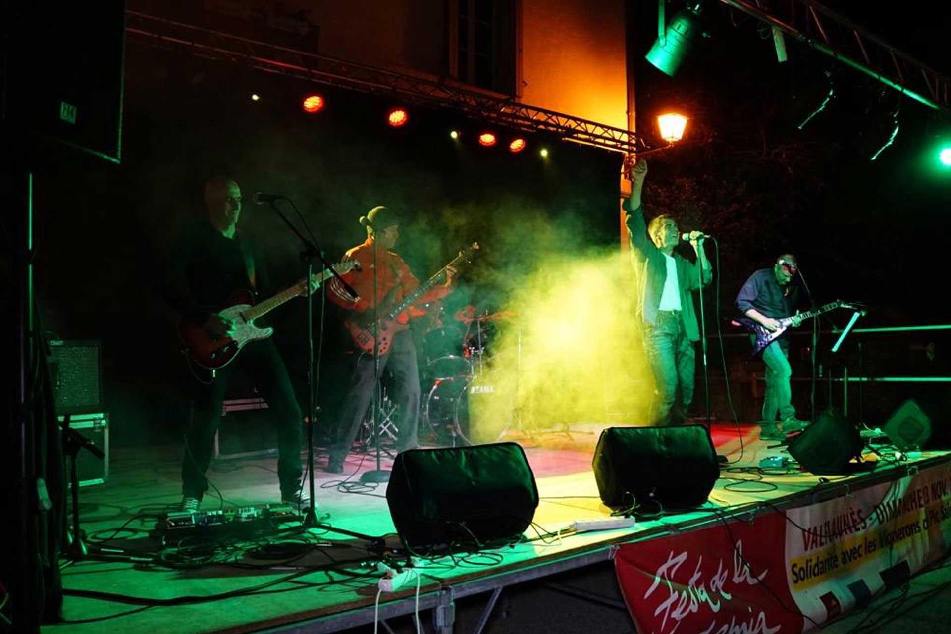 Le groupe Dirty Old Tong au festival de musique et vins du Festapic à Valflaunès dans l'Hérault (34) en 2016