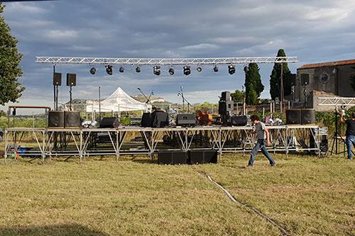 Scène du Festapic dans le village de Fontanès, dans l'Hérault (34)